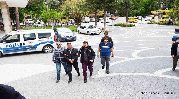 AKŞEHİR'DEKİ ESNAF CİNAYETİ ZANLISI TUTUKLANDI