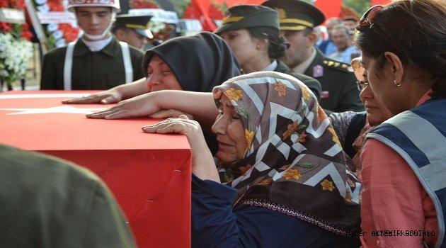 Şehit Uzman Çavuş Ünal'ın Cenazesi Son Yolculuğuna Uğurlandı